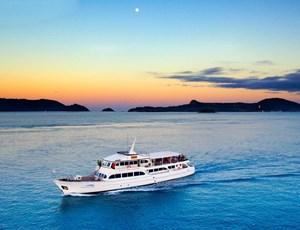 Denison Star - yacht dinner cruise on Hamilton Island