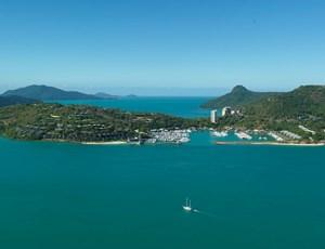 Hamilton Island's Marina - beautiful nature, crystal clear water, luxury yachts and hotels