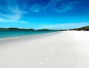 Spectacular Whitehaven Beach, Hamilton Island - perfect destination for a tropical holiday