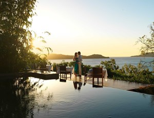 Sunset dining at qualia's Long Pavilion restaurant