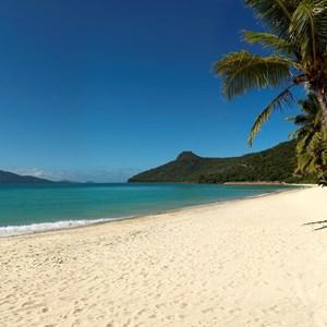 Enjoy an exotic, tropical summer holiday on the luxury Australian destination Hamilton Island