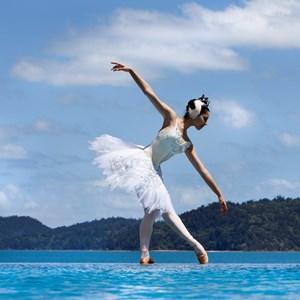 Pas de Deux Ballet Dancer performance on Hamilton Island