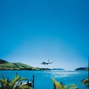 Plane landing at Hamilton Island airport