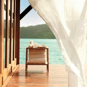 Towels on the deck at qualia