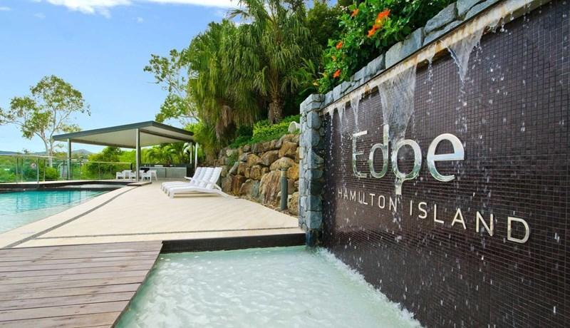 The Edge pool on Hamilton Island