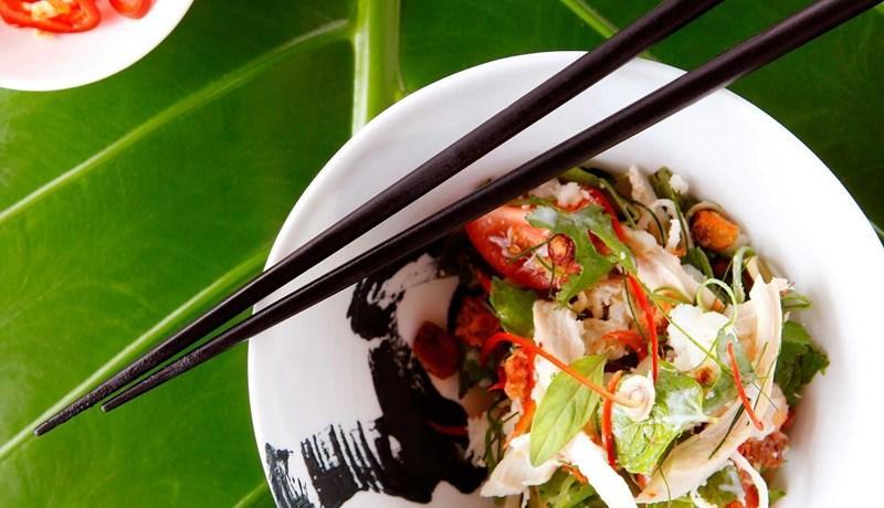 coca chu chicken and crab salad