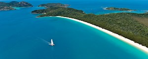 Boat ride along Whitehaven beach, Hamilton Island