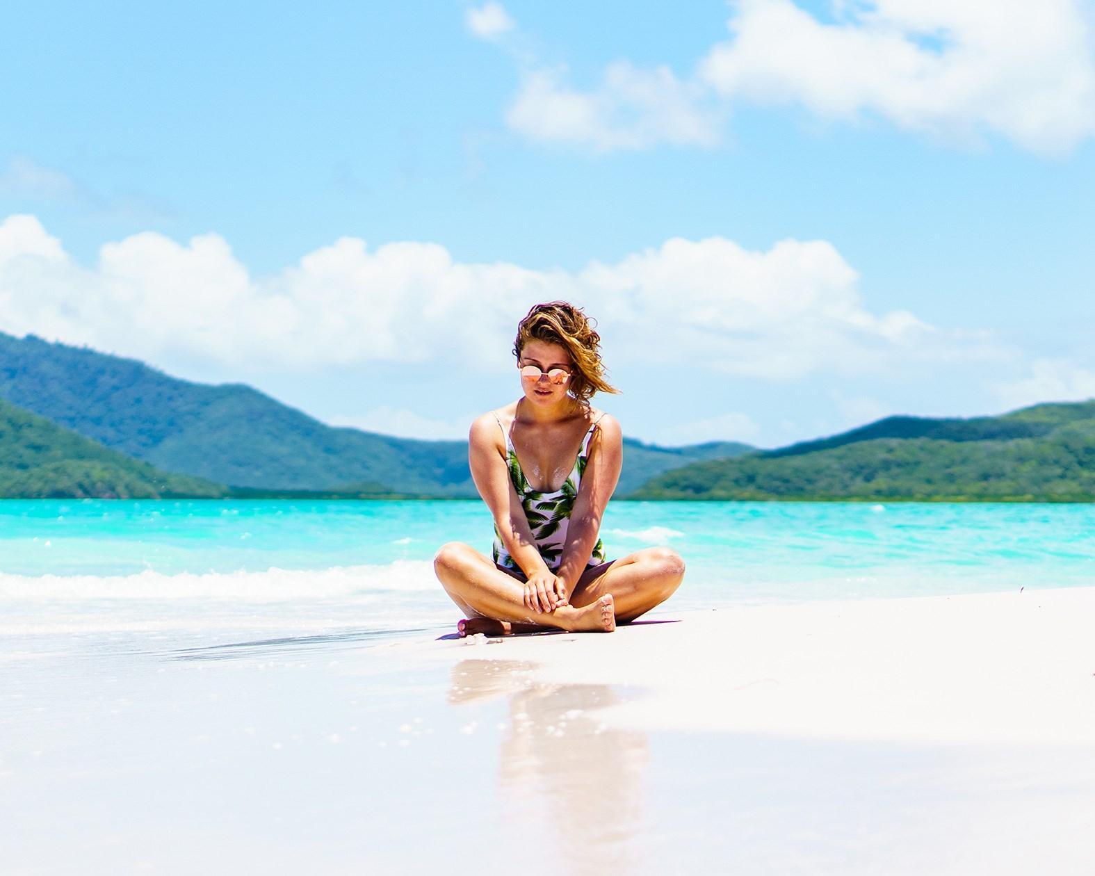 Carmen Huter whitehaven beach travel blogger
