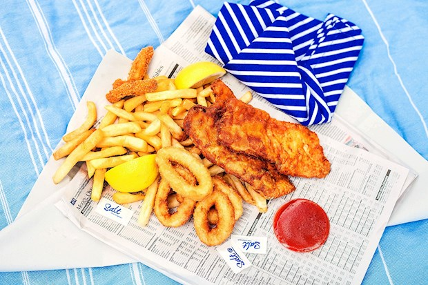 Popeye's takeaway fish and chips and a lunchtime picnic at Catseye Beach.