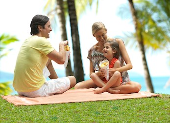 Hamilton Island offers great package deals for beach family vacations with kids