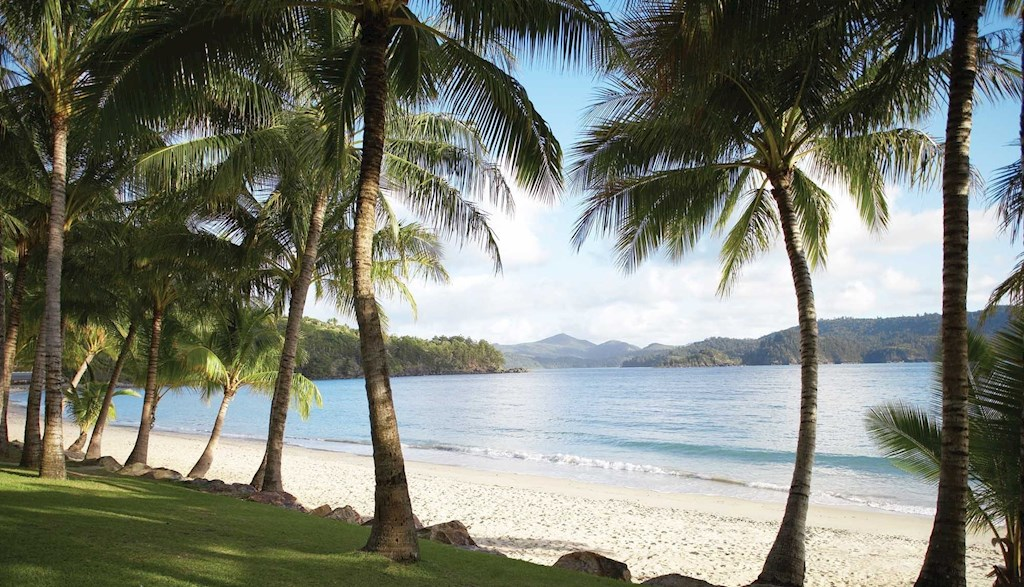 hamilton island accommodation hotels deals great barrier reef
