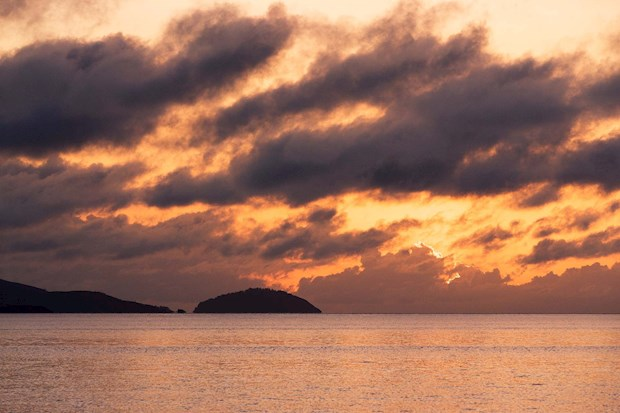 Hamilton Island's splendid sunrise an excellent start of your tropical holiday
