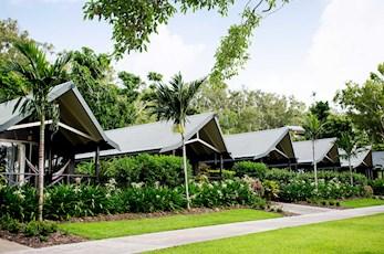 Palm Bungalows hotel - Hamilton Island family holiday