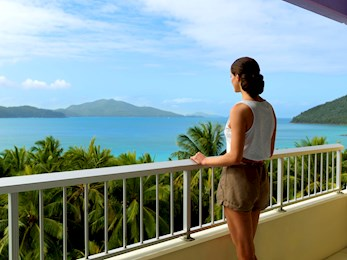 Outlook from the Coral Sea View room - Hotel Hamilton Island