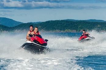 Tour the Geat Barrier Reef on jet skis - Hamilton Island honeymoon deals