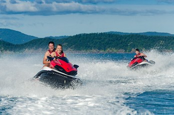 Tour the Geat Barrier Reef on jet skis - Hamilton Island honeymoon deals