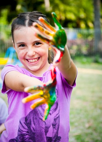 Painting and other fun activities - family holidays Hamilton Island