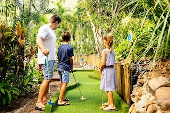 Have fun at mini golf - Hamilton Island family holiday