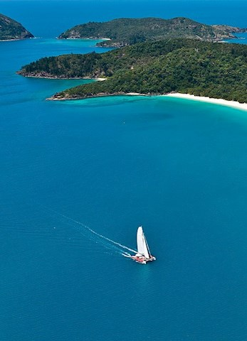 Sail to Whitehaven Beach with On the Edge from Hamilton Island