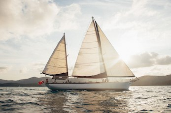 Sail around the Great Barrier Reef via the Lady Enid - luxury vacation Hamilton Island