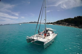 Cruise around the Great Barrier Reef on a catamaran - Hamilton Island