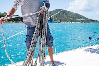 Hamilton Island vacation - learn how to sail the Whitsundays