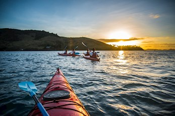 Hire a kayak to discover the Great Barrier Reef - Hamilton Island