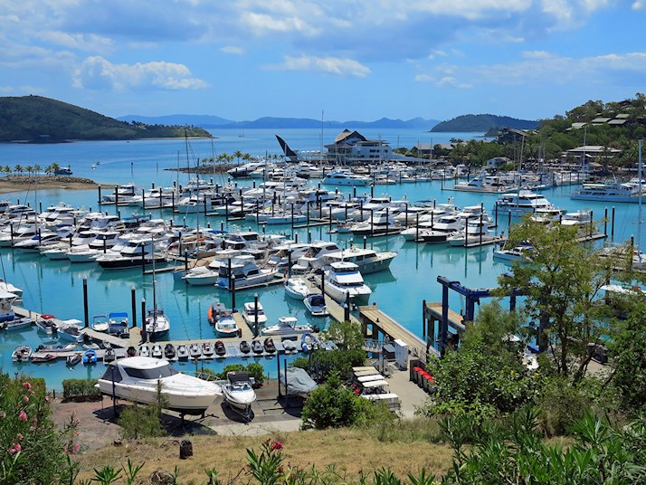 Hamilton Island marina for super yachts