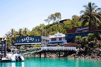 Marina village shops - Hamilton Island resort