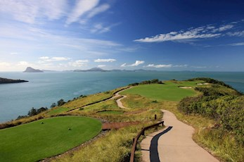 Golf Course Hole 15 Dent Island - Hamilton Island - tee high